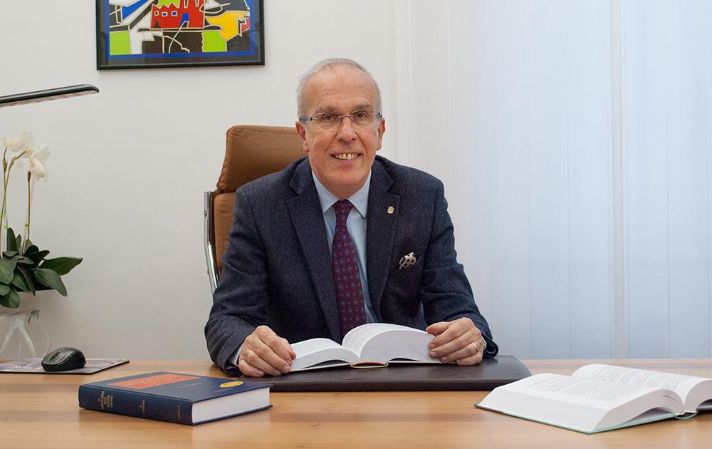 Avv. Mario Camerano